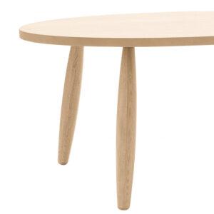 Tavolo ovale in legno rovere con gambe tornite dettaglio