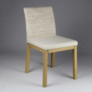 Sedia in legno massello rovere con imbottitura City